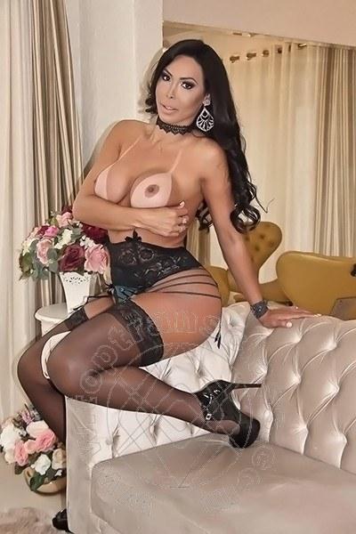 Leticia Minelly  LOMAZZO 3483200960